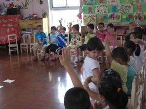 人格魅力加点小奖励果然引得学生频频举手,旁边老师都说了拿了奖的别举啦~~